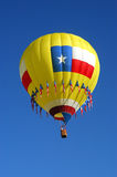 Hot air balloon on a hot, clear morning Royalty Free Stock Images