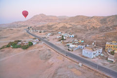 Hot air balloon over Egypt Royalty Free Stock Photography