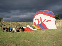 Hot air balloon ride � get off from Ark - Cappadocia - Turkey Stock Photography