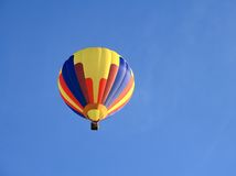 Hot air balloon up in the sky Royalty Free Stock Photography