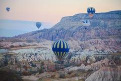 Free Hot Air Balloons Stock Photos - 35035163