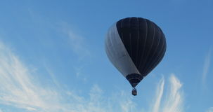 Hot air baloon taking off