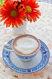 Hot chocolate and flower Royalty Free Stock Photography