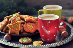 Hot chocolate with ginger cookies Royalty Free Stock Images