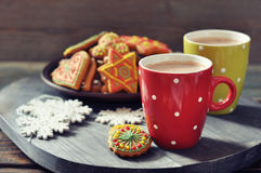 Hot chocolate with ginger cookies Stock Images