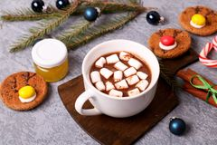 Hot chocolate with marsmallow candies royalty free stock images