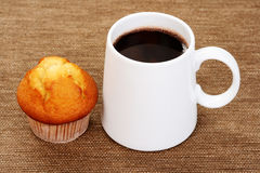 Hot chocolate and muffin Royalty Free Stock Photography