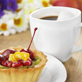 Hot coffee and tasty cake Stock Photography