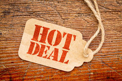 Hot deal sign  on a price tag Royalty Free Stock Photos