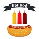 Hot-dog avec la saucisse et le ketchup Bouteilles délicieuses de hot-dog et de sauce avec le ketchup, moutarde, sauce barbecue Al illustration de vecteur