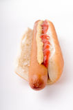 Hot dog con ketchup e senape Fotografia Stock