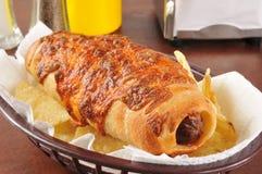 Hot-dog en pâtisserie photos stock