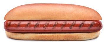 Hot dog - piec na grillu kiełbasa w babeczce odizolowywającej na białym tle zdjęcia stock