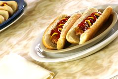Hot dogs et pains Photo stock