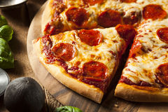 Hot Homemade Pepperoni Pizza Royalty Free Stock Photos