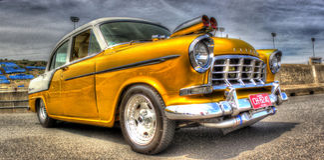 hot rod pintado de Holden dos anos 50 ouro australiano fotografia de stock