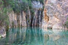 Hot Springs naturel dans un beau canyon montagneux dans la région de Valence de l'Espagne images libres de droits