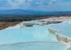 Hot Springs och kaskader på Pamukkale i Turkiet Royaltyfri Bild