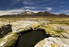 Hot Springs près de volcan Sajama en Bolivie Photo libre de droits