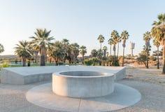 Hot Springs, simbassäng och behållare på brutto- bartendrar arkivfoton
