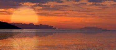 Hot sunset on sea Stock Photography