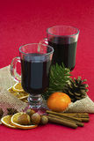 Hot wine and christmas decoration Royalty Free Stock Photos
