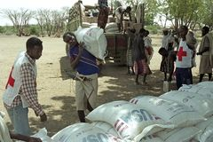 Hota svält på avlägset vid klimatförändring royaltyfri fotografi