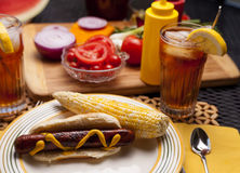 Hotdog en Maïskolven. Royalty-vrije Stock Foto