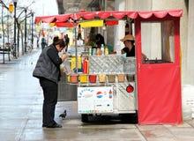 Hotdog-Standplatz Stockfotografie