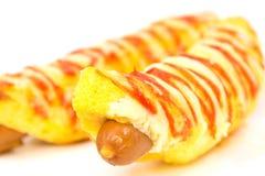 Hotdogs no fundo branco Fotos de Stock