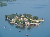 Hotel湖宫殿鸟瞰图  库存图片