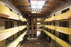 Hotel abandonado imagen de archivo libre de regalías