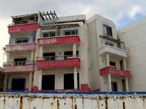 Hotel abandonado de la playa Fotos de archivo