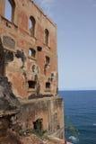 Hotel abandonado en la costa de Tenerife Fotos de archivo libres de regalías