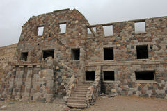 Hotel abandonado que foi supostamente um esconderijo do nazi, Argentina de Sosneado Hot Springs fotografia de stock royalty free