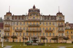 Hotel abbandonato in Marianske Lazne (stazione termale di Marienbad) immagine stock libera da diritti