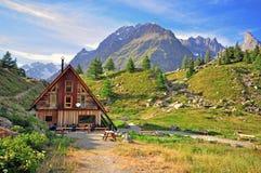 Hotel in alpi Immagini Stock