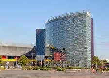 Hotel in alto di vetro Fotografia Stock
