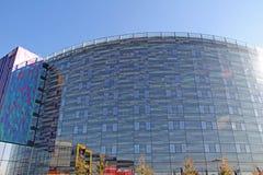 Hotel in alto di vetro Fotografie Stock Libere da Diritti