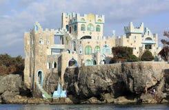 Hotel azul del castillo de la cueva Imagen de archivo