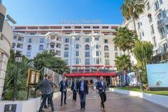 Hotel Barriere majestuoso en Cannes en el Croisette Foto de archivo libre de regalías