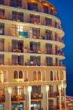 Hotel bij het eveing Stock Afbeelding