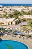 Hotel bij het overzees, de hoogste mening Royalty-vrije Stock Foto's