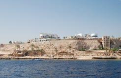 Hotel bij kust van het rode overzees Stock Foto's