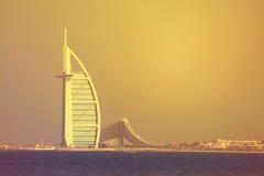 Hotel Burj Al Arab auf Jumeirah-Strand, Dubai, UAE am 28. Juni 2017 Lizenzfreie Stockfotos