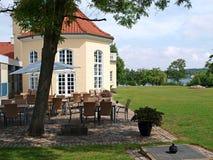 Hotel clássico do lado do país Foto de Stock