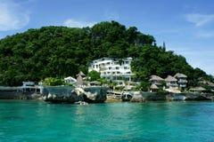 Hotel com vista para o mar no monte Foto de Stock Royalty Free