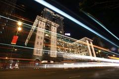 Hotel con l'accensione per il natale Fotografie Stock Libere da Diritti