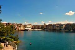 Hotel da baía de Portofino, todo o encanto de Itália Acople o passeio junto, exterior, no forestsid foto de stock