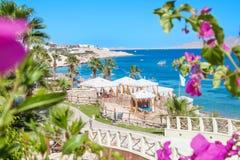 Hotel da opinião do mar fotografia de stock royalty free
